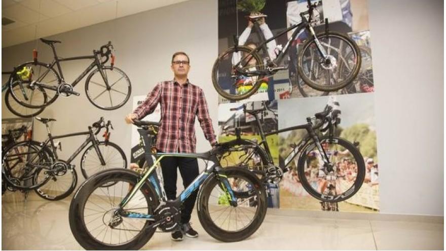 Five kilos of future - carbon bicycles